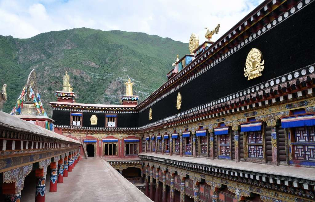 Eastern Tibet route, Sichuan, Derge, Parkham Printing house