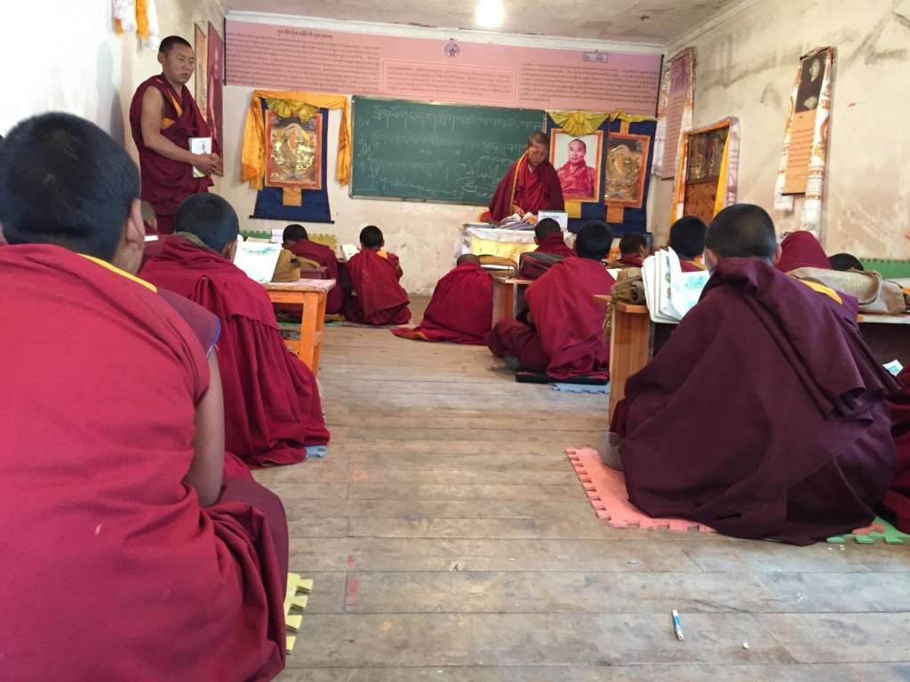 Eastern Tibet route, Sichuan, Serxu monastery, in the classroom