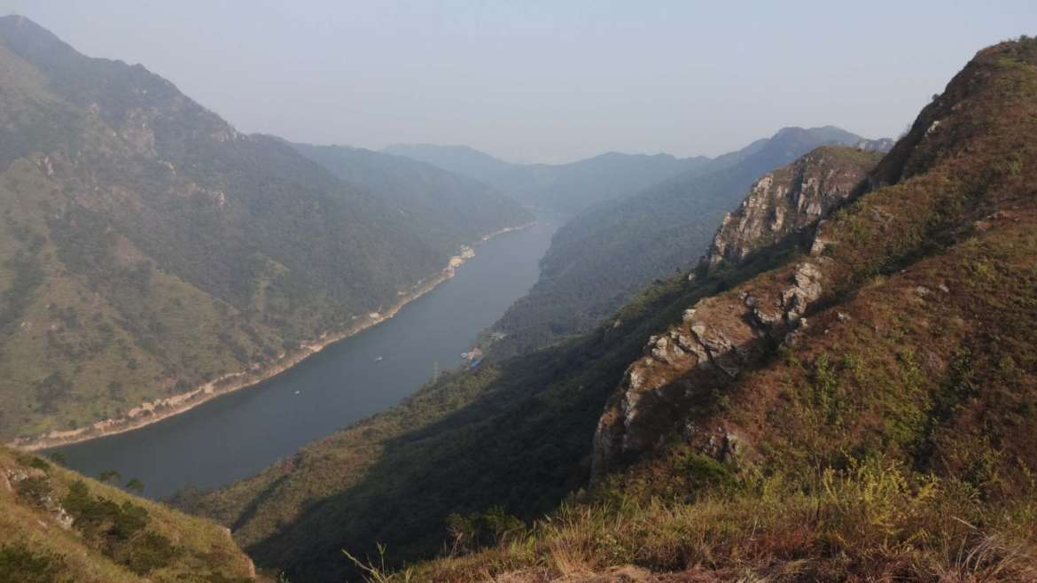 North and South Feixia mountainAnd Beijiang river in the middle, Qingyuan