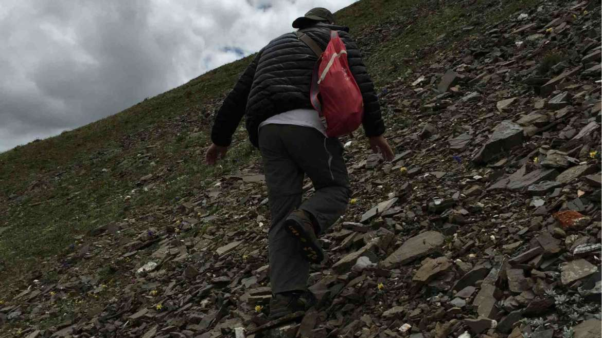Altitude sickness, Zhuoda mountain hiking, Eastern Tibet, 4900 m