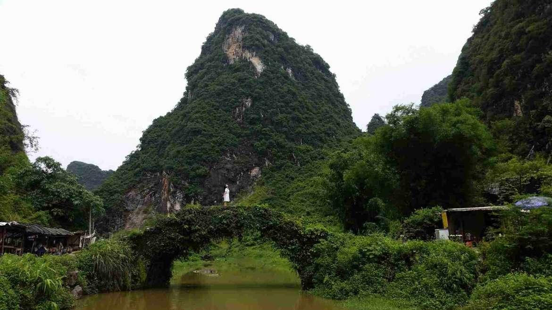 Yingxi Limestone Hills- an old bridge in Huanghua