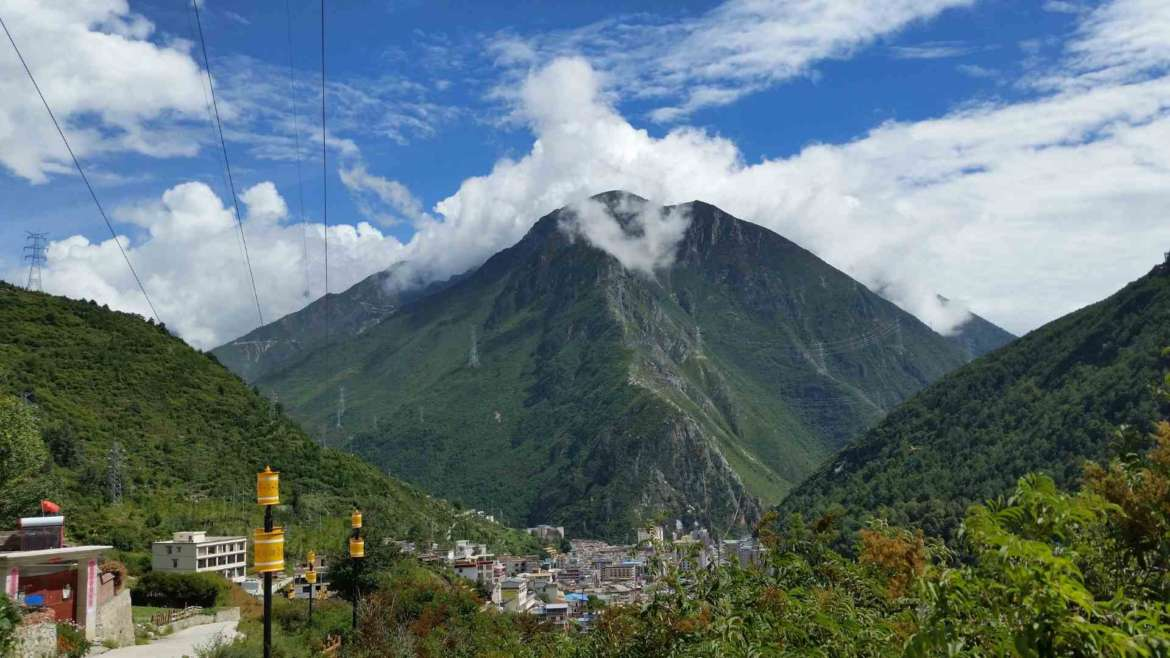 Kangding, the most romantic city in China- View to Kangding from above