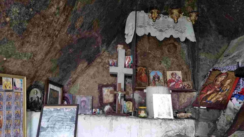 Orthodox relics in the hermit's cavern, Kluviata, Bachkovo Monastery