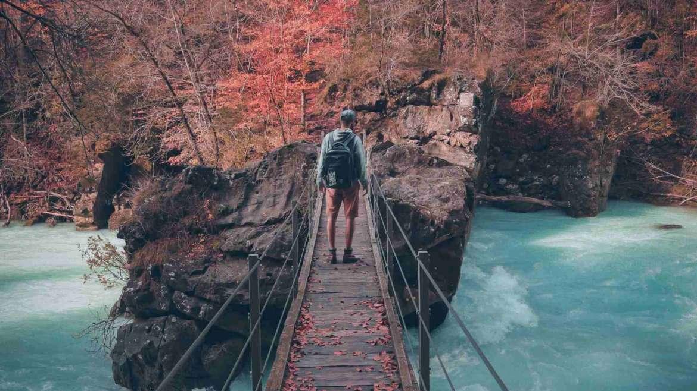 3 inspirational bloggers who quit their job for traveling- Nomadic Matt