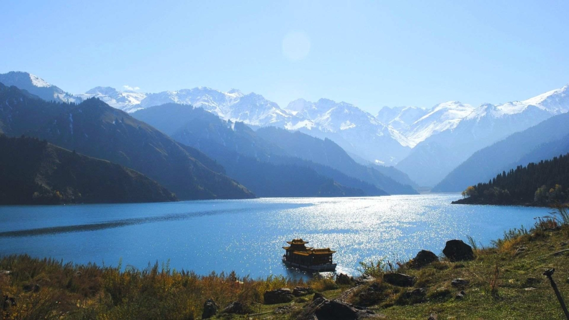 Xinjiang travel- Tianchi, the Heavenly Lake in Bogda Mountains