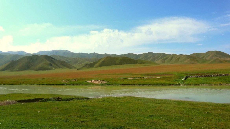 Trekking in Tianshan- Tianshan Grassland