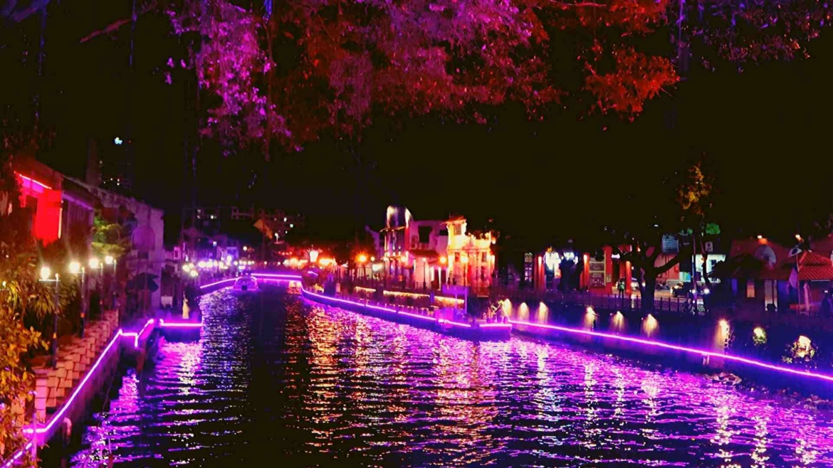 Melaka River in the night