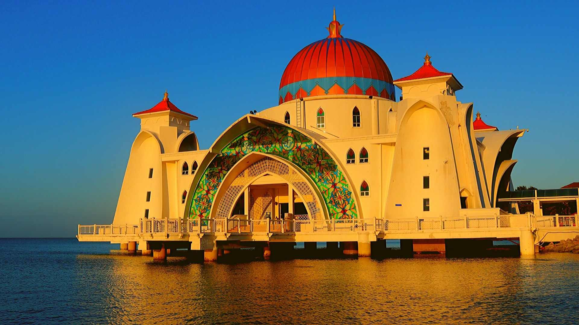 Places to visit in Melaka- Malacca Straits Mosque