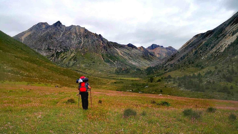 Trekking in Genyen