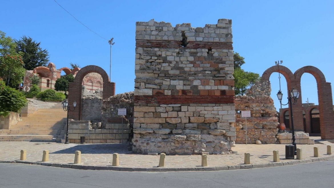 The wall at the Pier and the Saint John Aliturgitos Church behind it