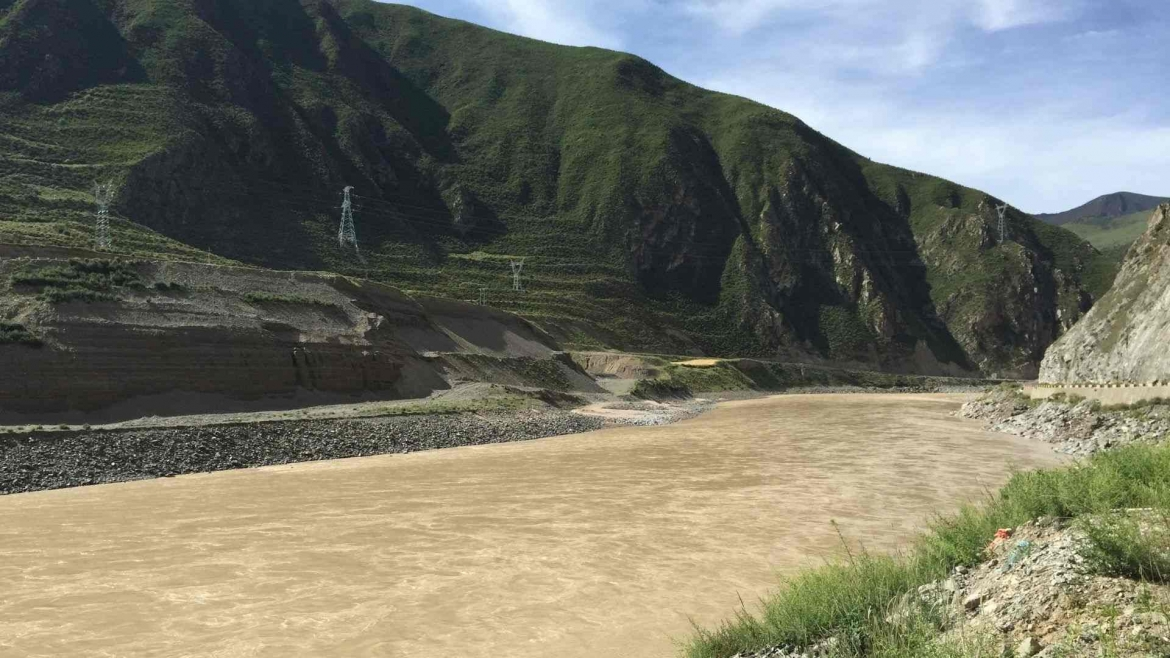 Yangtze River in its Tongtian section